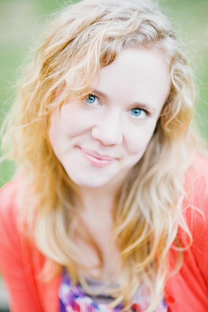 Molly in Laurelhurst Park - Portland Portrait Photographer
