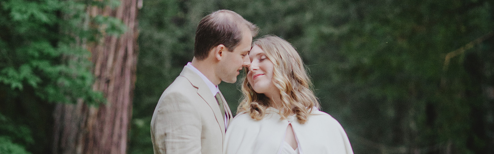 Portland Wedding Photographer Reviews -- Jessica and Evan's Camp Royaneh Wedding