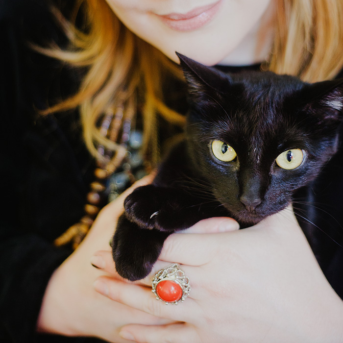 Portland Pet Photographer - Jessica Pratt and black cat