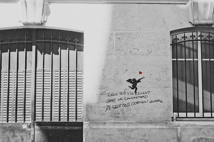 Paris elopement - French graffiti - Cupid