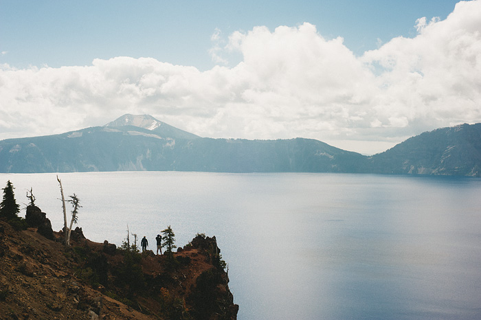 Portland Lifestyle Photographer - Tourists at Crater Lake National Park