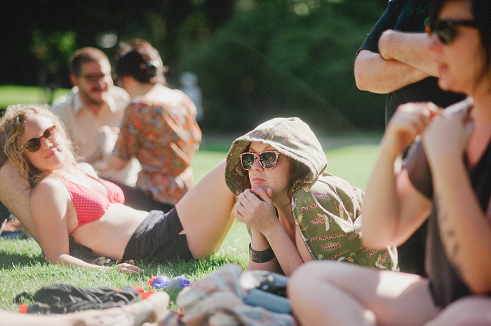 Portland Lifestyle Photographer - Portrait of friends lounging in Laurelhurst Park