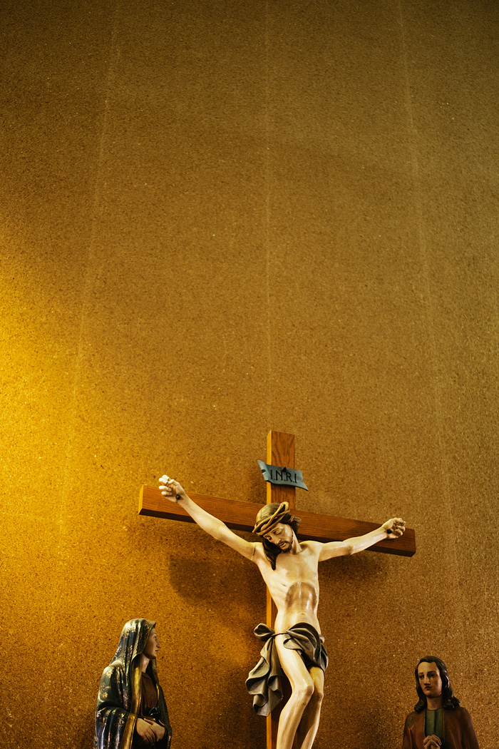 Portland Oregon Wedding Photographer - Crucifix at the St. Rita Catholic Church