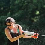 portland-lifestyle-photographer-water-gun-fight-laurelhurst-park-23