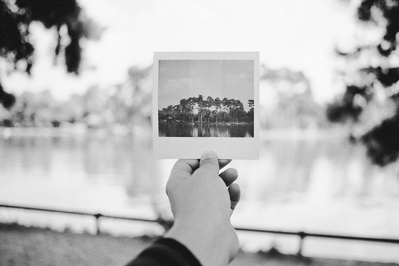 Paris wedding photographer - Polaroid shot at Bois de Boulogne