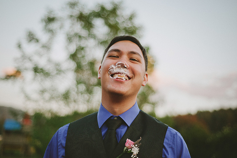 Arcata Wedding Photographer - Groomsman after face smashing a cupcake