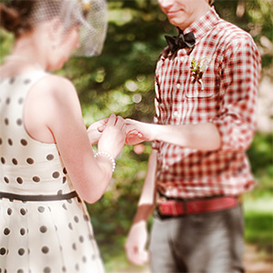 Elsa and Tyler exchanging rings - Portland Wedding Photographer