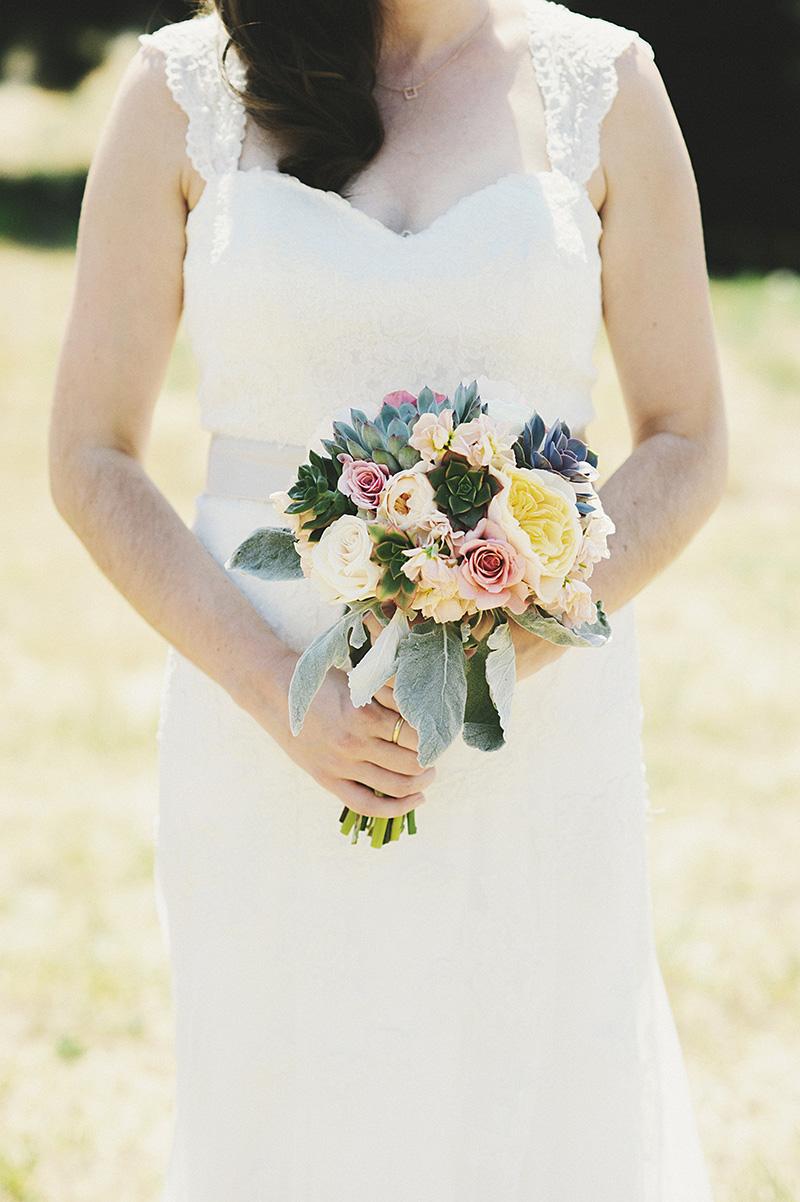 Oregon City Wedding Photographer - Bridal portrait with bouquet