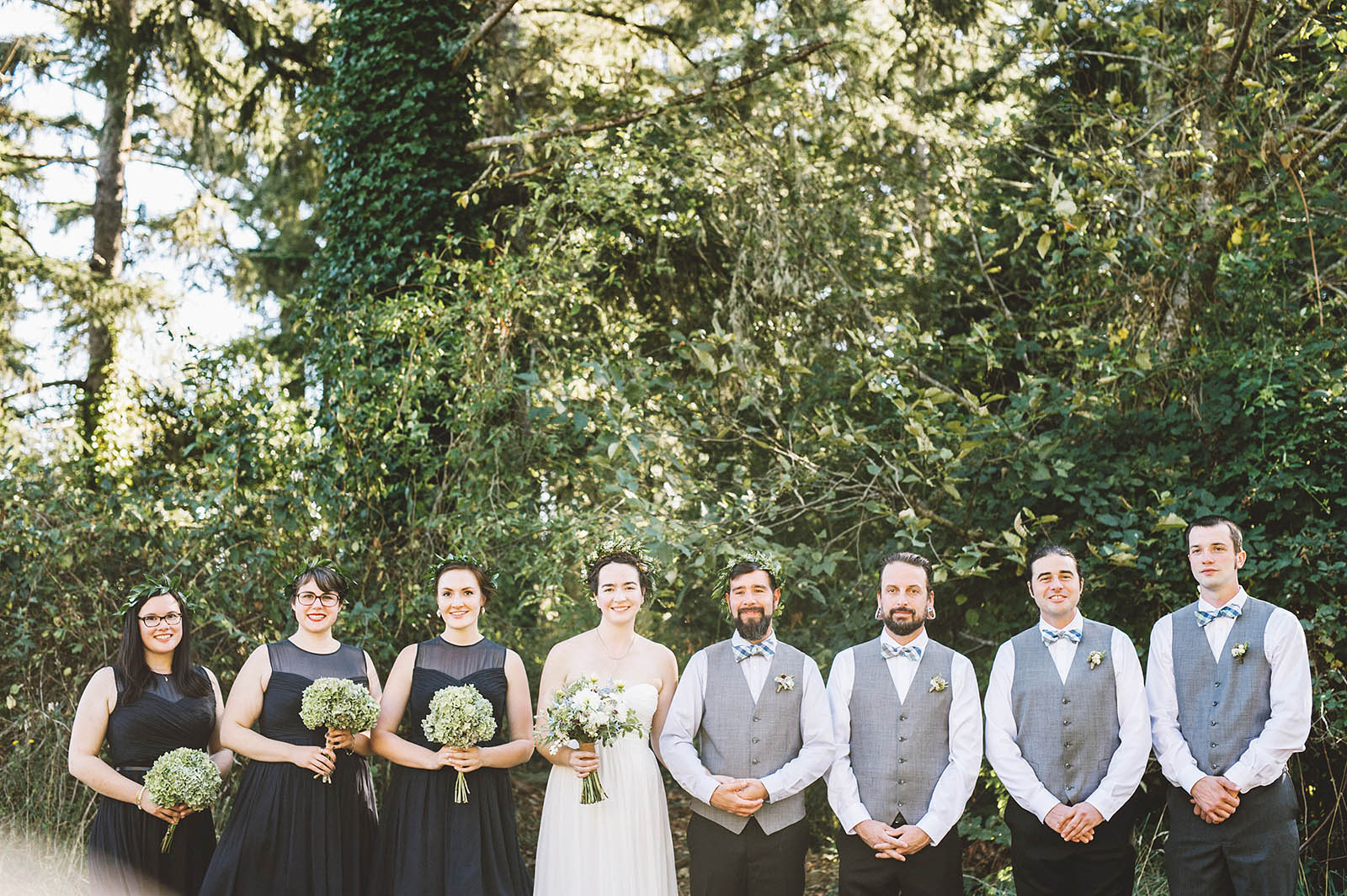 Group photo of the wedding party | SouWester Lodge Wedding