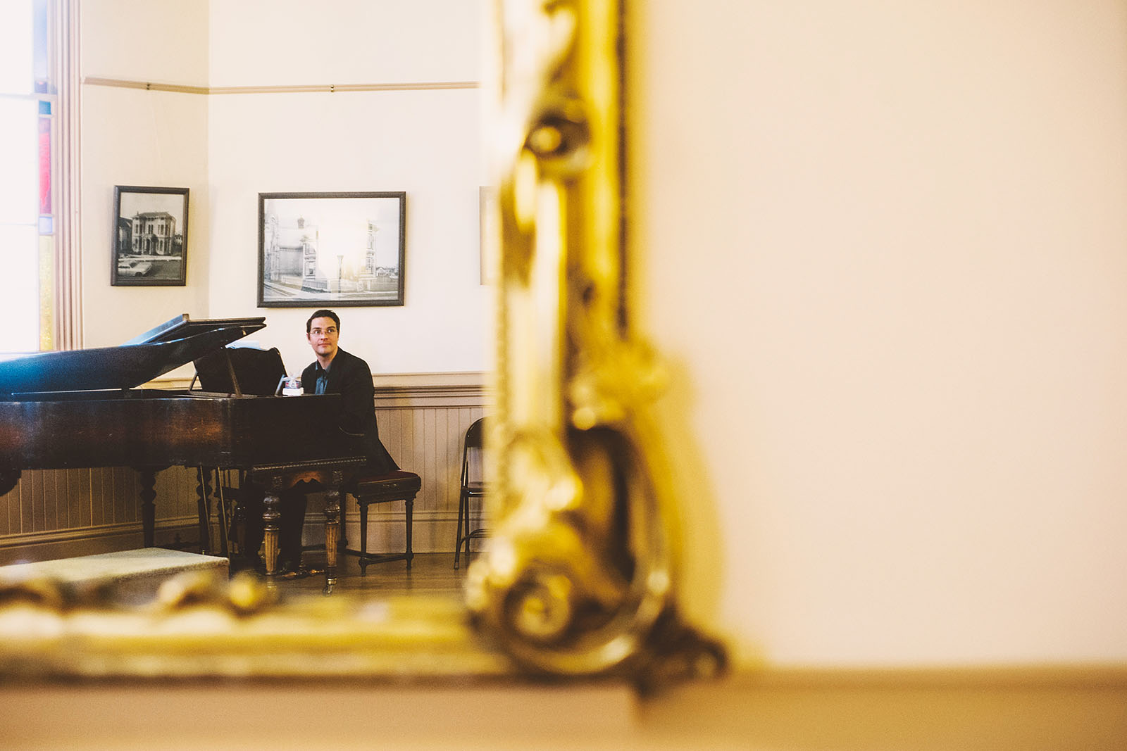 Hired pianist plays for the reception | Old Church Wedding Photos