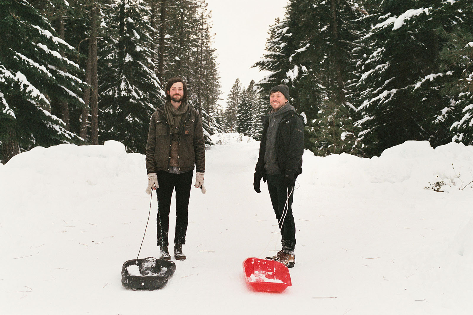 Mark and Amos walking to a snow sledding hill in Trout Lake, WA | Contax Aria