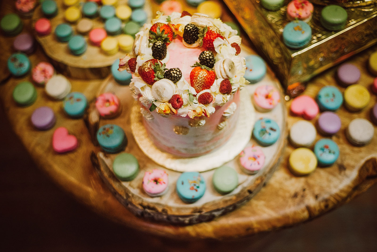 Wedding cake and macarons by Tier PDX | Olympic National Park Wedding