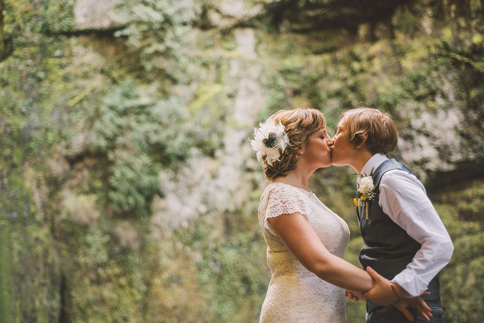 Brides kissing | Wahclella Falls Wedding