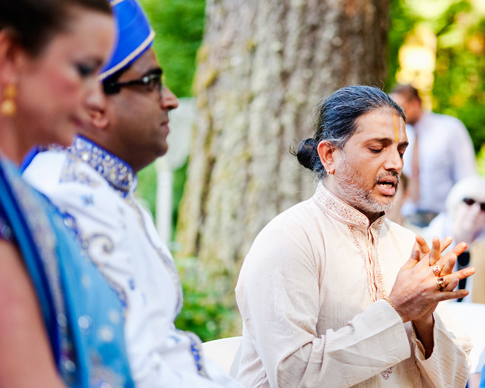 Bridal Veil Lakes Wedding Photographer - Hindu wedding - Swami during ceremony - Portland Oregon