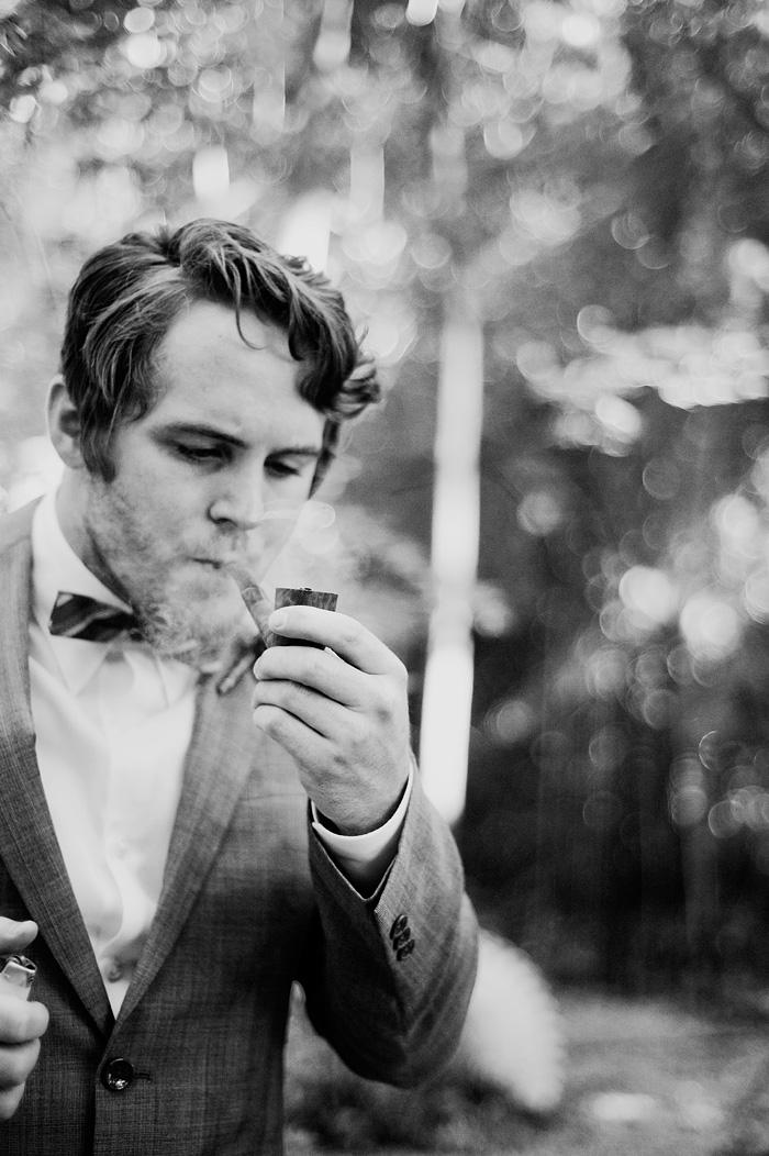White House Redding wedding: Groom smoking pipe