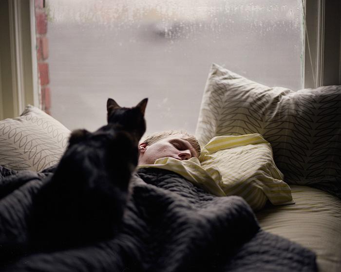Portland Oregon Lifestyle Photographer - Man Sleeping with Cat