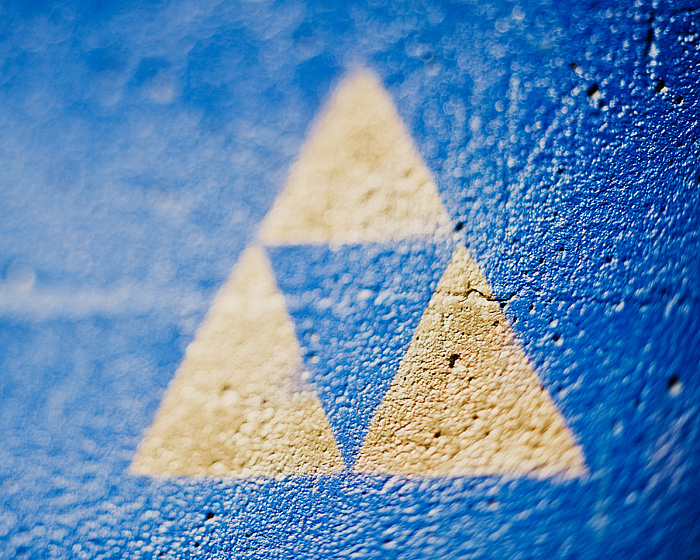 Zelda Tri-Force Graffiti - Freelensing