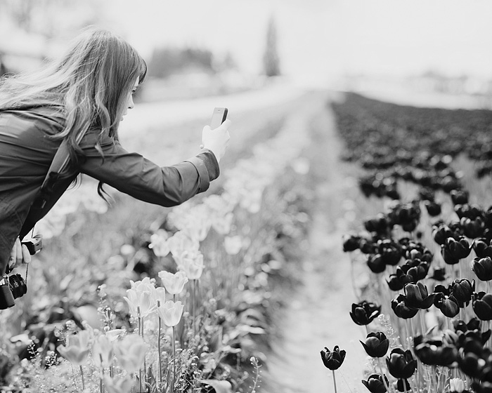 Stefanie Instagramming the Purple-Black Tulips - Portland Lifestyle Photographer