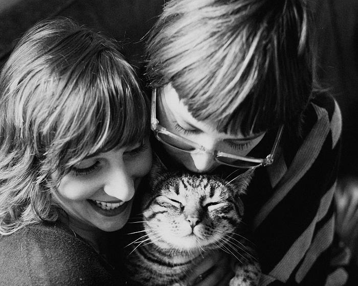 Jenica, Diego and Kelsey - Portland Pet Photographer