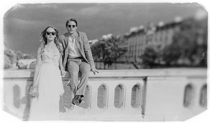 Paris wedding photographer - Bride and Groom on the Pont Louis-Philippe