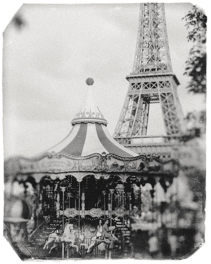 Vintage Paris wedding photographer - Newlyweds on Carousel - Eiffel Tower