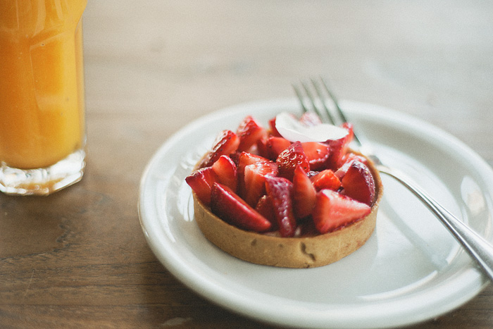 San Francisco Lifestyle Photographer - Fresh Fruit Tart from Tartine Bakery