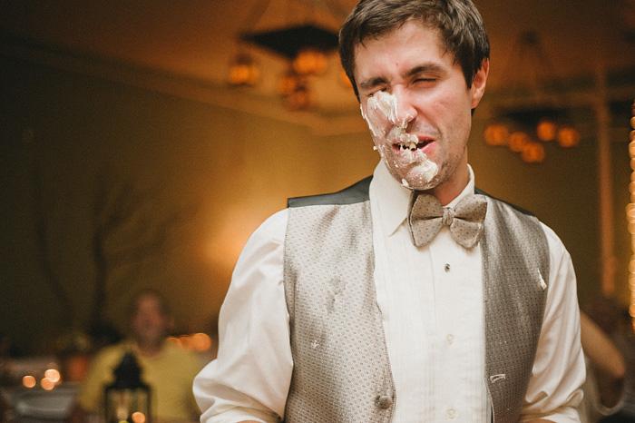 Mt Shasta Wedding Photographer - McCloud Mercantile Inn - Cake Cutting