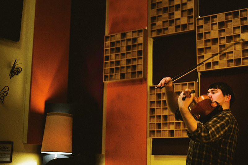 Portland Band Photographer - Harlowe and the Great North Woods violin player - Jackpot! Recording Studio