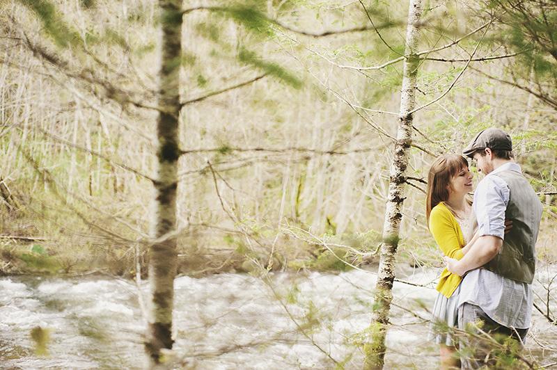 Portland Honeymoon Photographer - Karen & Josh in the Mt Hood forest