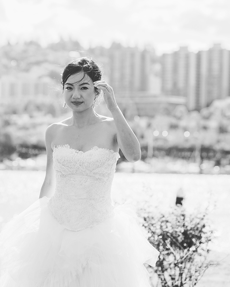 Oregon Wedding Photographer - Black and white bridal portrait on the Eastbank Esplanade