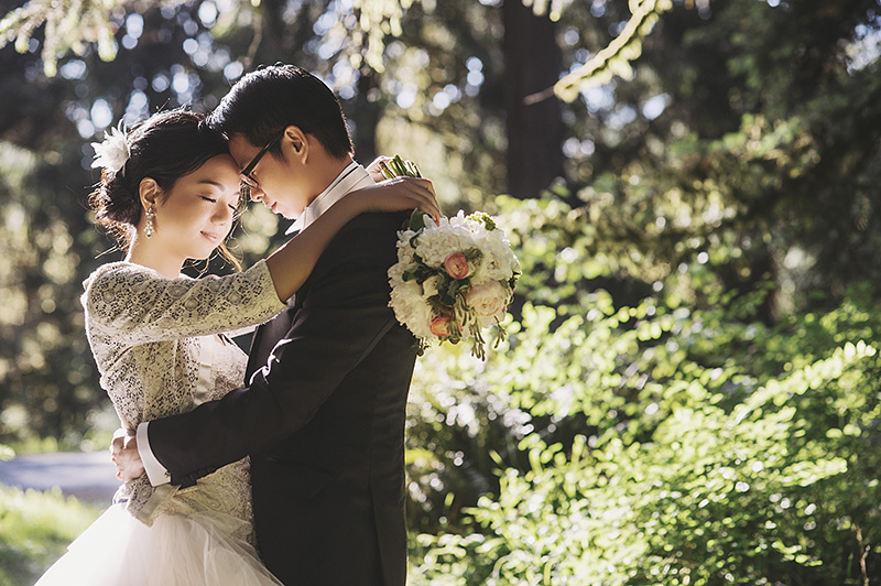Oregon Wedding Photographer - Eve and Green in Hoyt Arboretum