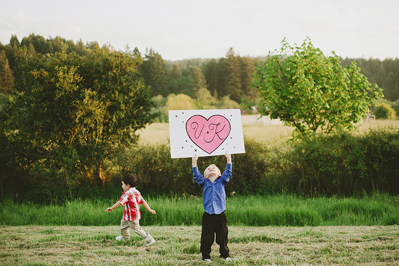 Humboldt Wedding Photographs - Children holding up a hand painted sign