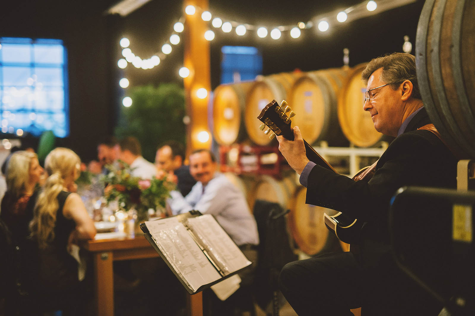 Guitarist Kevin Karrick at a Clay Pigeon Winery wedding reception