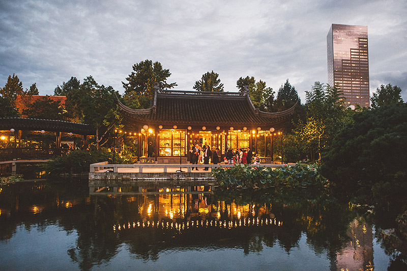 Lan Su Chinese Gardens reception - Best Portland Wedding Photography