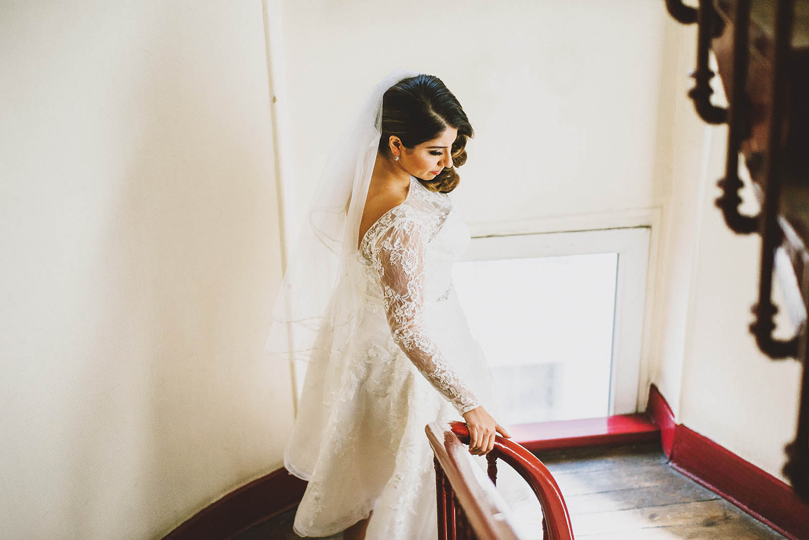 Bride heading to the First Look | Springtime Paris Elopement at Parc des Buttes Chaumont