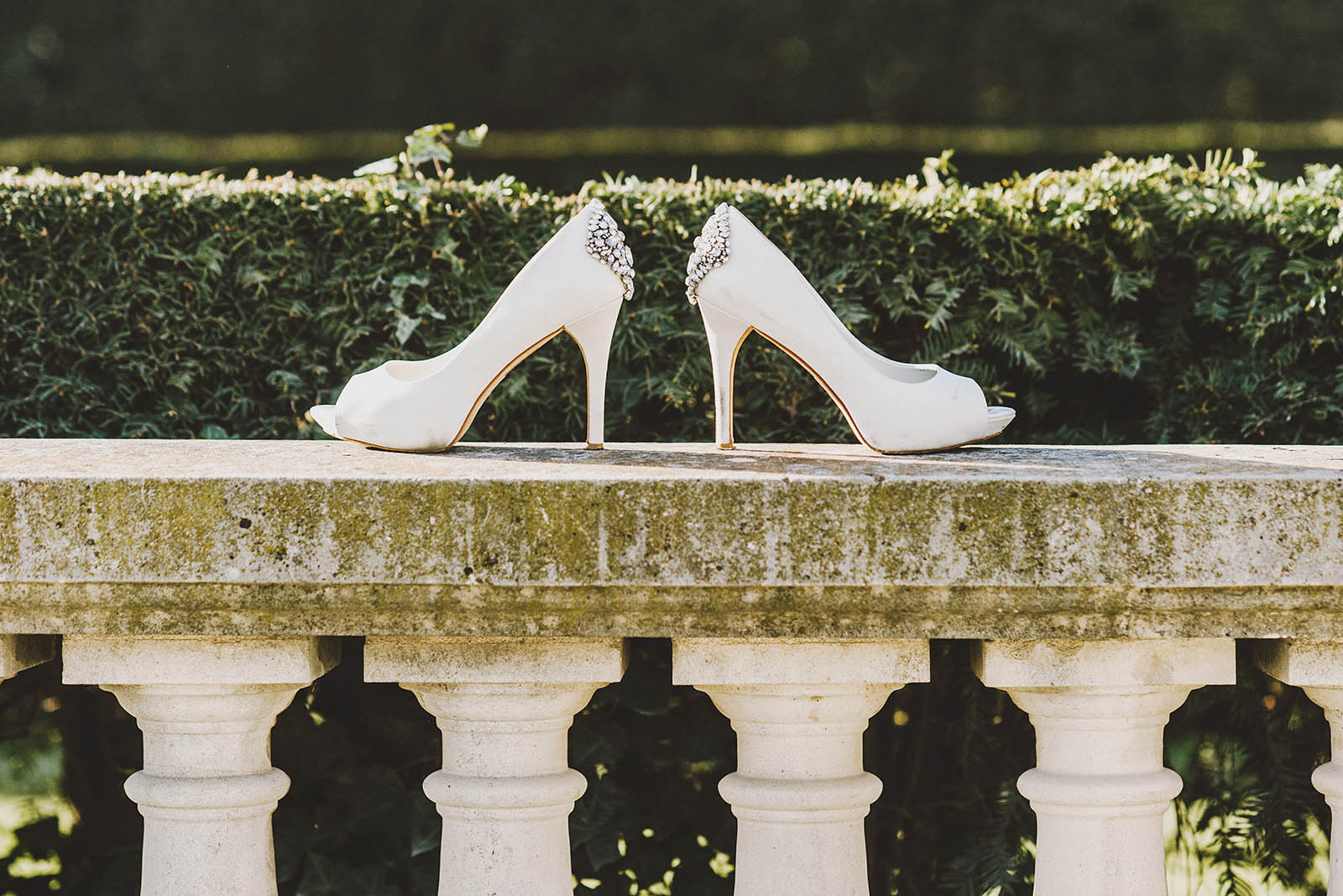 Bride's shoes | Springtime Paris Elopement at Parc des Buttes Chaumont