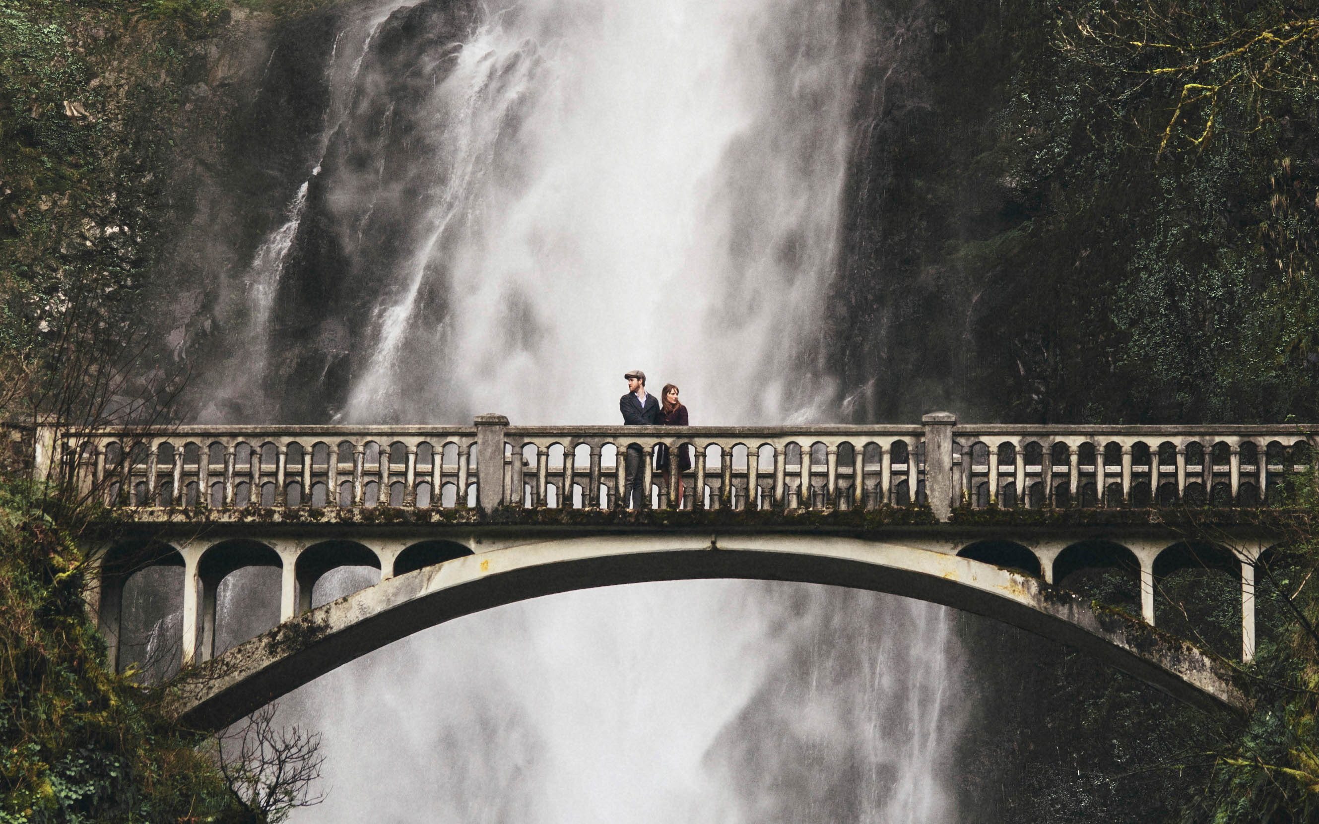 Portland Wedding Photographer | Karen & Josh at Multnomah Falls