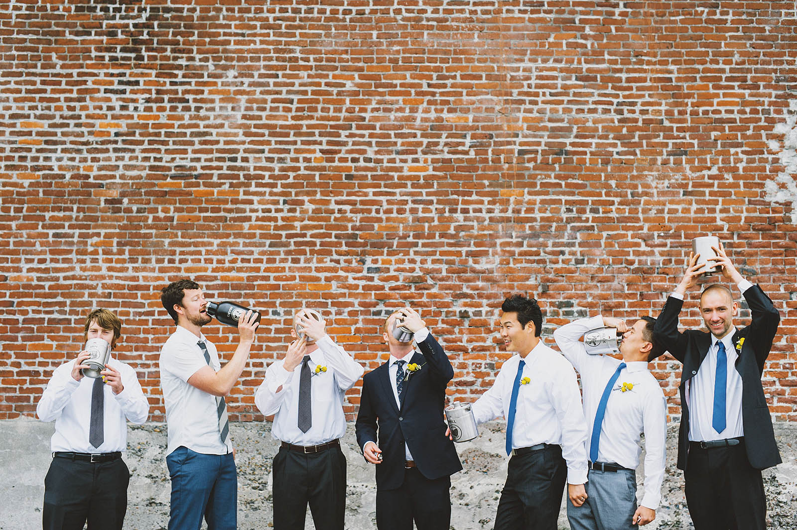 Groomsmen enjoying their homebrewed beer | Castaway Portland Wedding