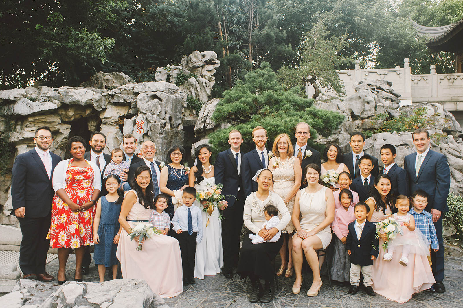 Large family photo near the tea house | Lan Su Chinese Garden Wedding