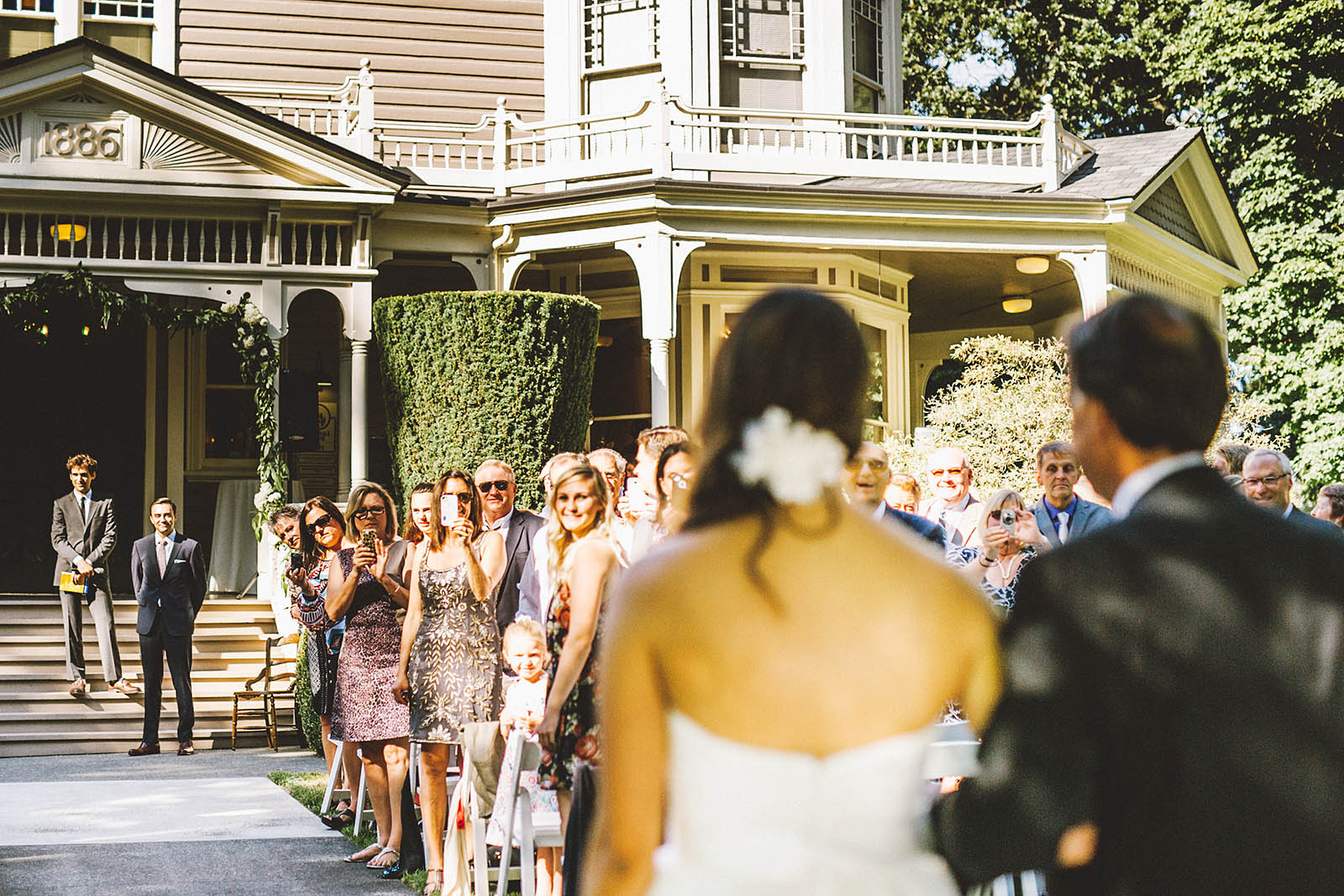 Bride's entrance at the Marshall House ceremony | Fort Vancouver Wedding in Washington