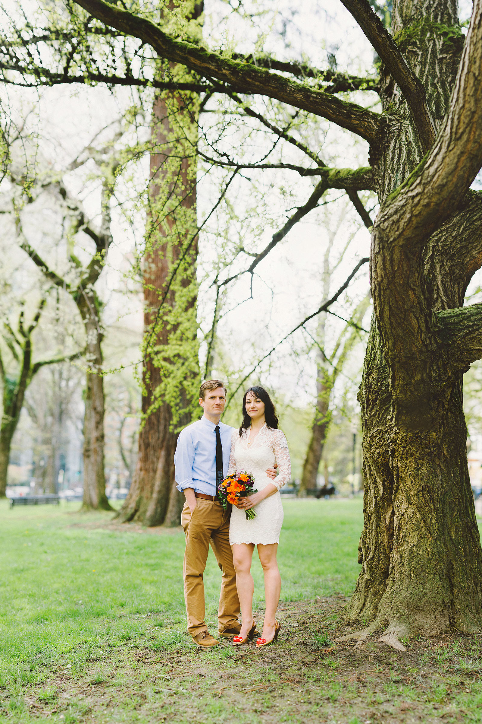 Bride and Groom outside Multnomah County Courthouse | Portland Courthouse Wedding