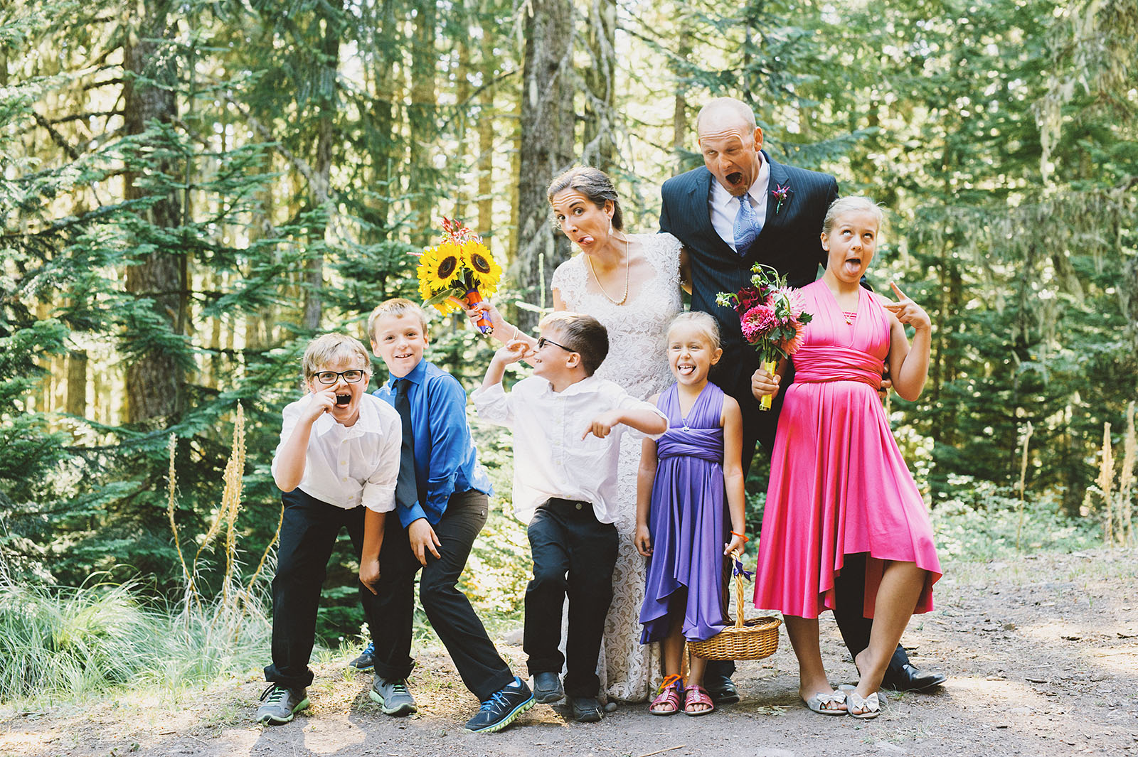 Family photos gone silly | Mazama Lodge Wedding