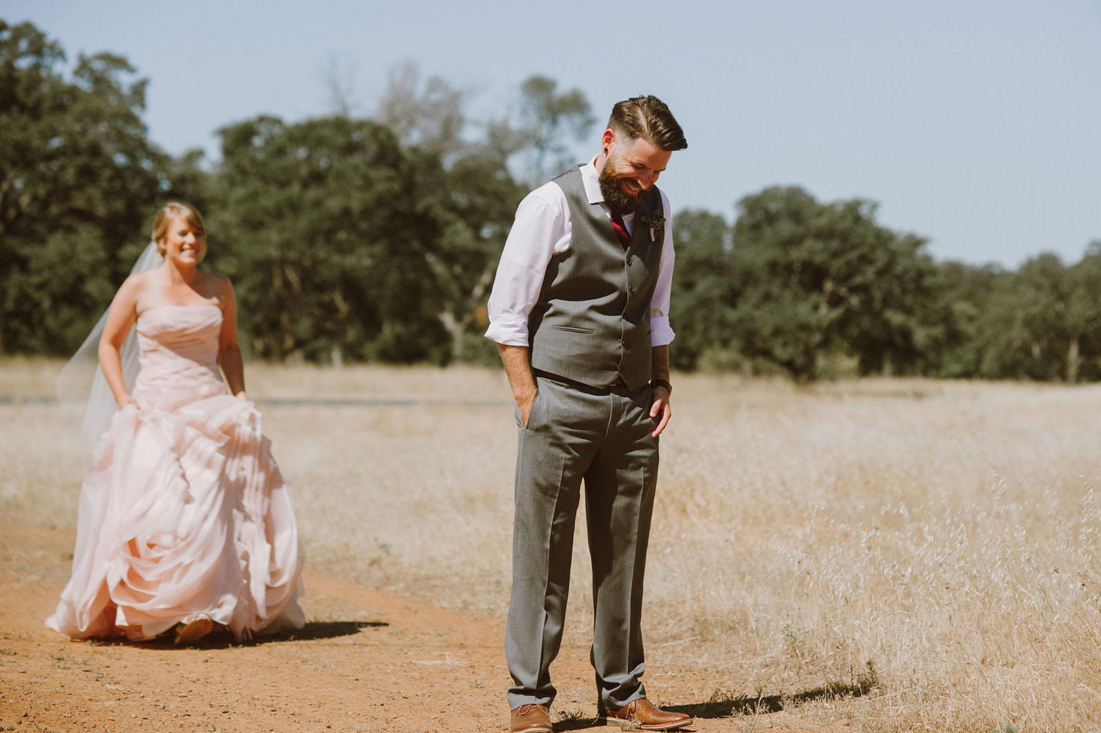 First Look in Upper Bidwell Park | Backyard Chico California Wedding