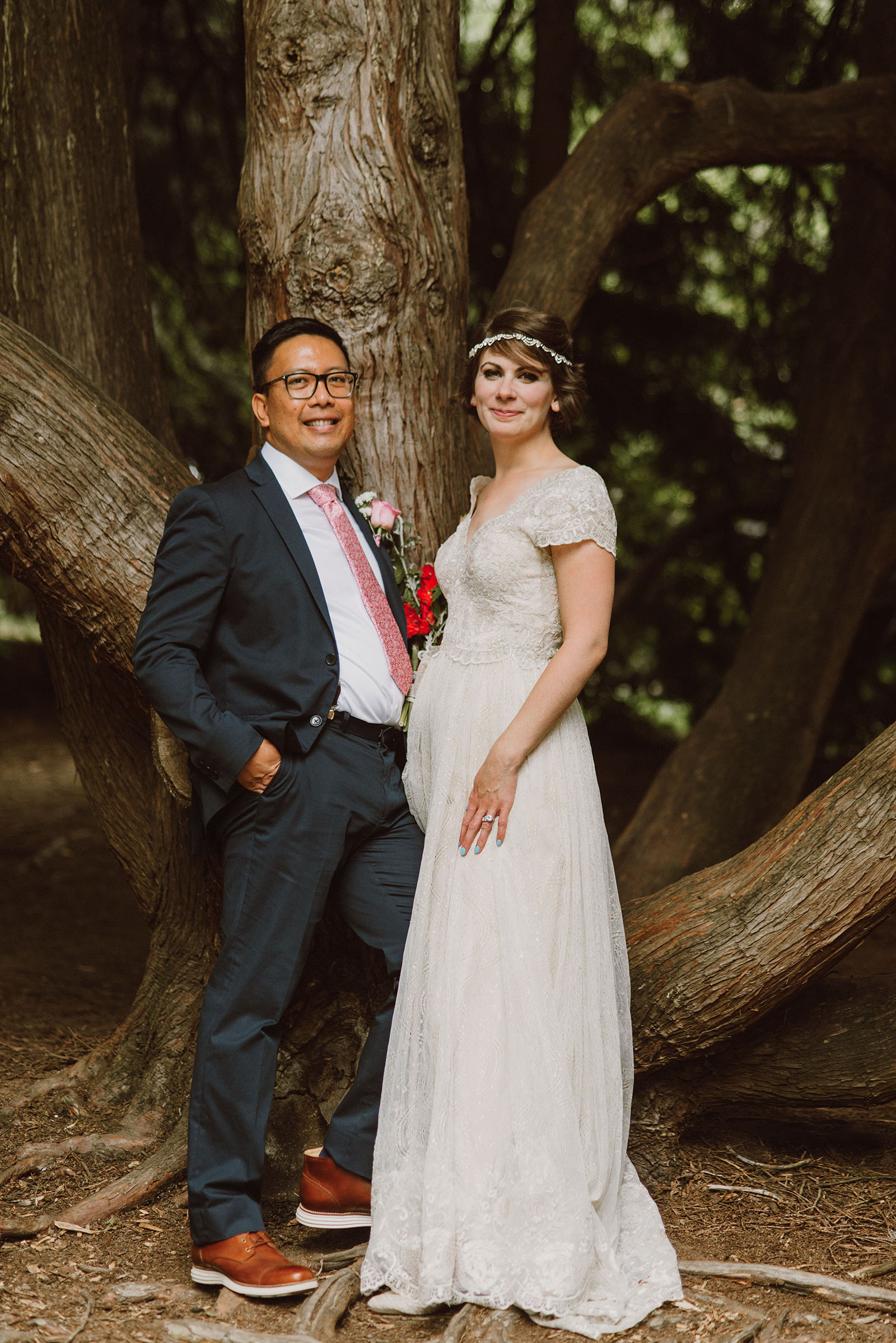 Bride and Groom portraits in Laurelhurst Park | Downtown Portland Elopement