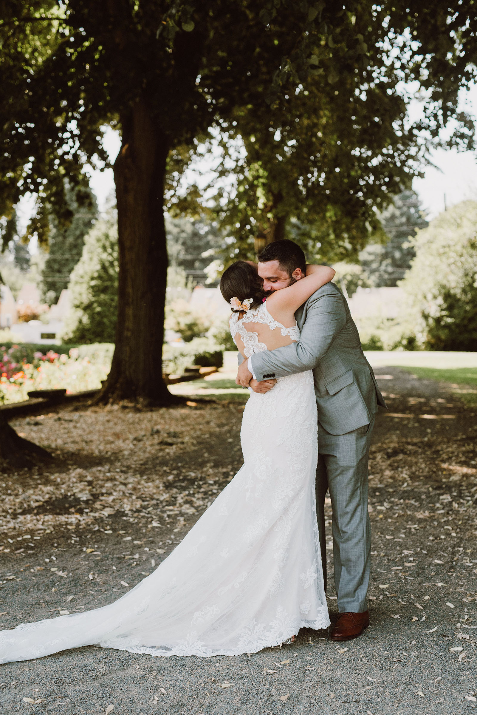 Bride and Groom's First Look in Peninsula Park