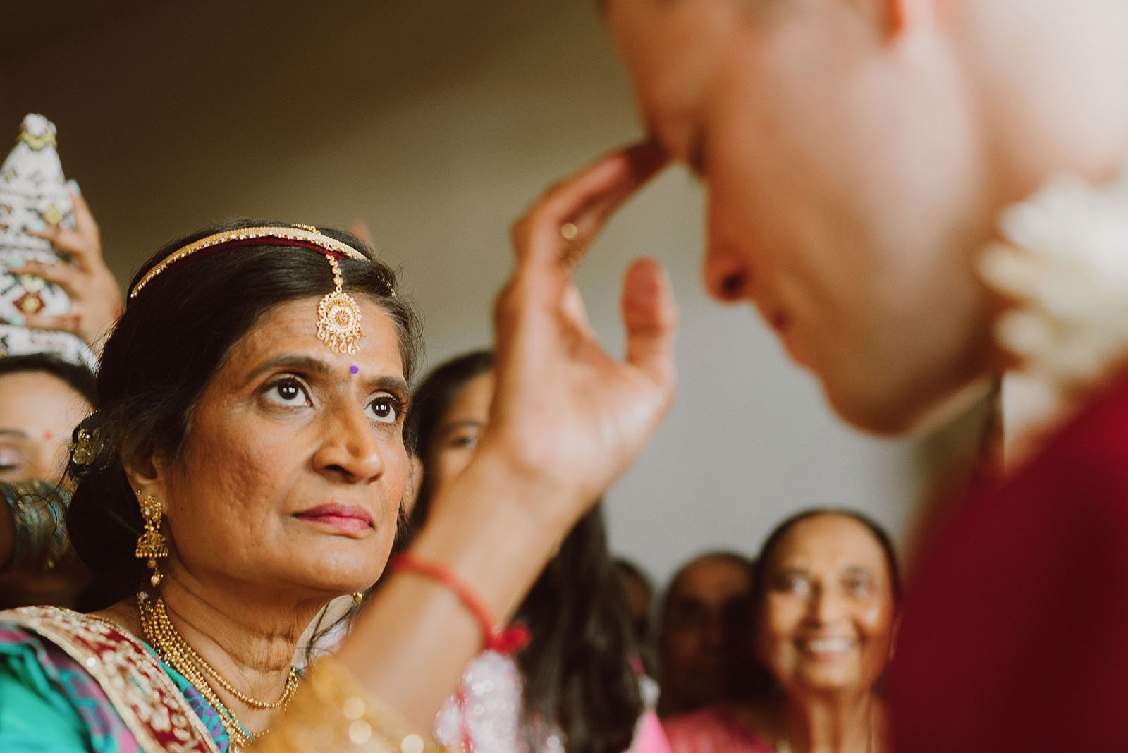 traditional hindu wedding ritual with the groom and bride's mother - portland wedding photography